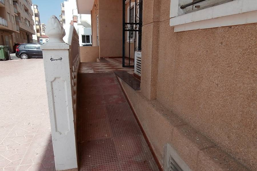 Resale - Business Premises - La Mata - La Mata Center