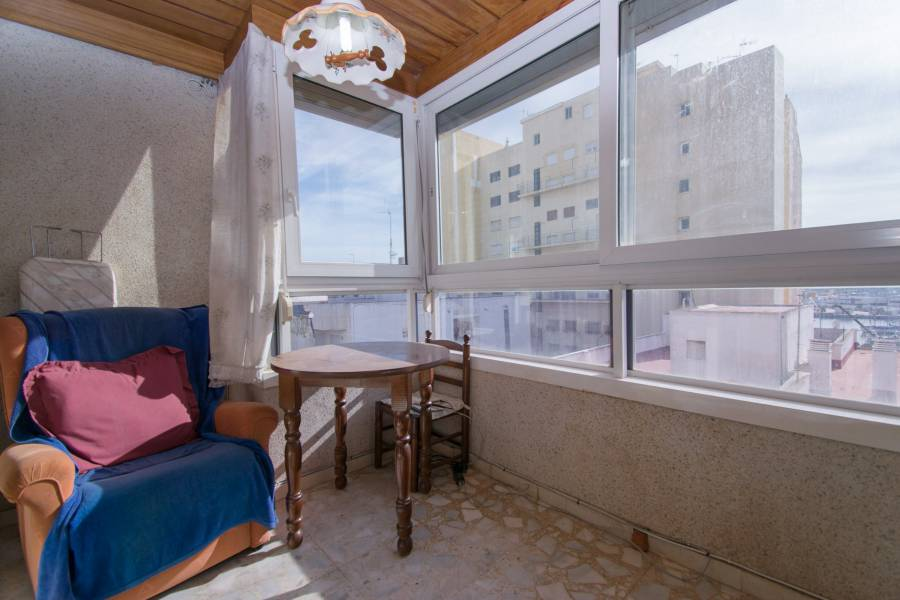Revente - Apartment / Flat - Torrevieja - Center Torrevieja