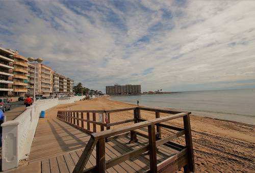 Apartment / Flat - Resale - Torrevieja - Playa de los Locos