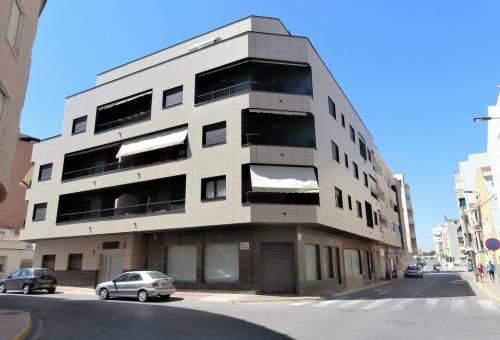 Apartment / Flat - Resale - La Mata - La Mata Center