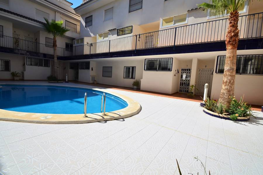 Resale - Apartment / Flat - Torrevieja - La Veleta