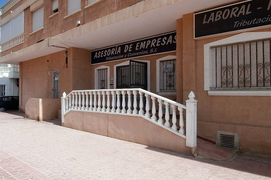 Reventa - Business Premises - La Mata - La Mata Center