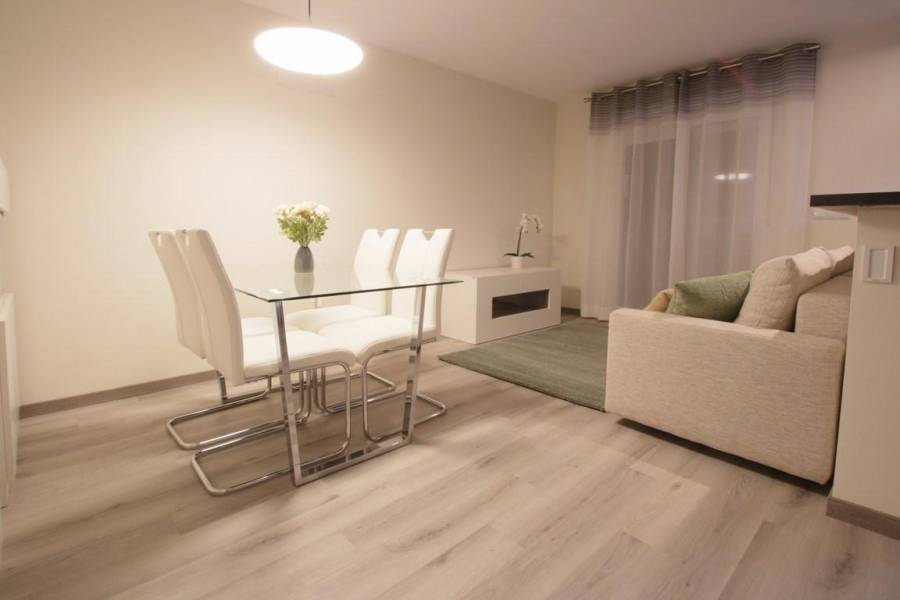 Resale - Apartment/Flat - Torrevieja - Playa del Cura